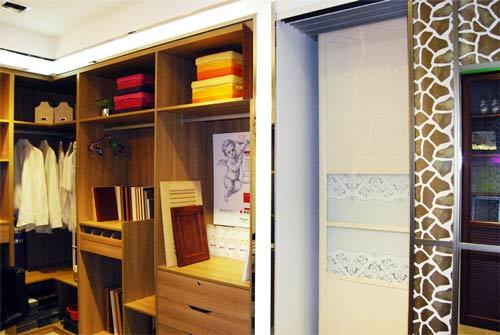店主要经营各类定制家具家具,包括整体家具,衣柜,滑动门,隔断门,欧式