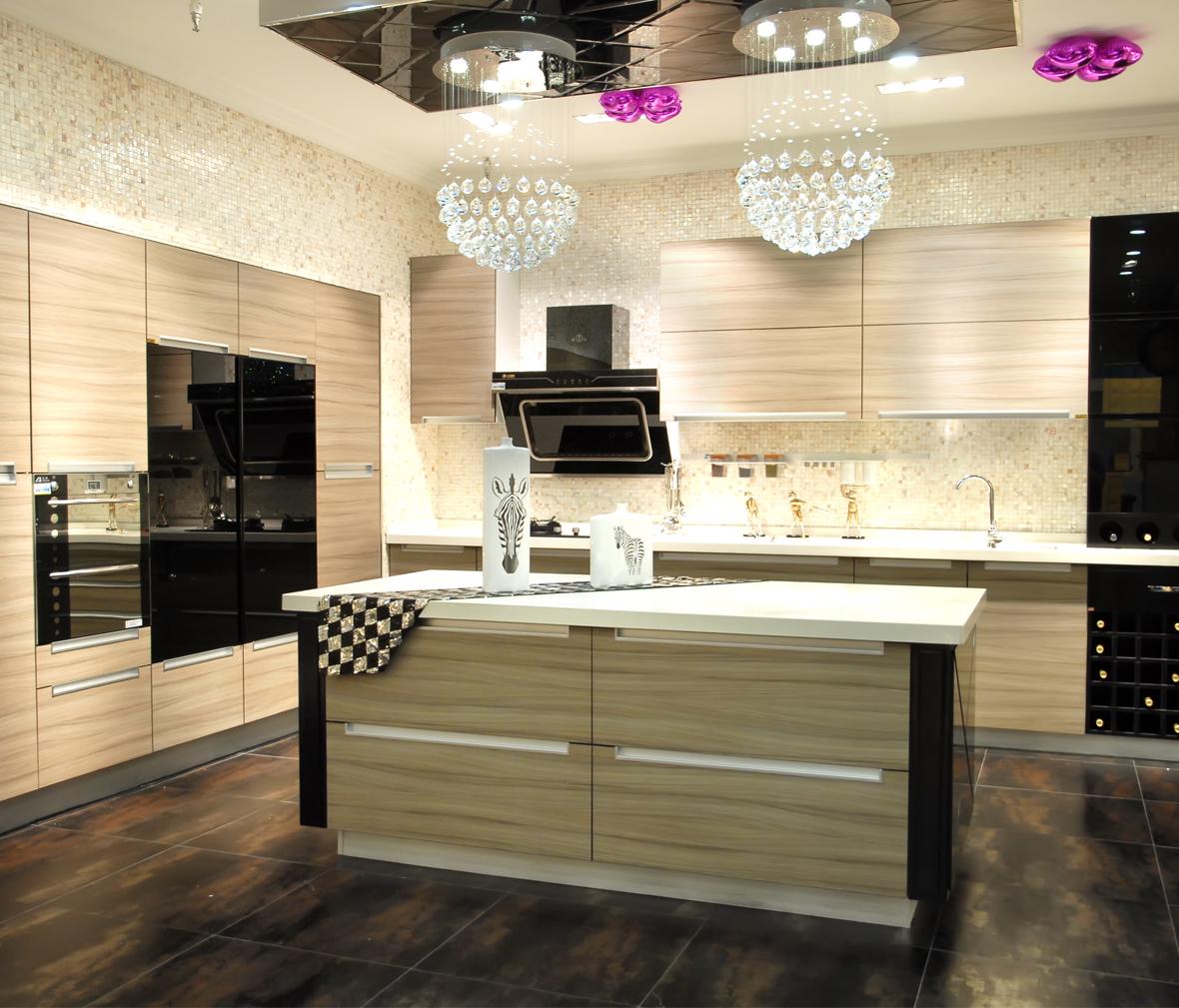 凯蒂莱整体厨房 圣罗莎 实木复合门板 白橡木材质 简欧风格  眼缘:0图片