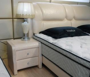 维蒂斯,床头柜,实木家具
