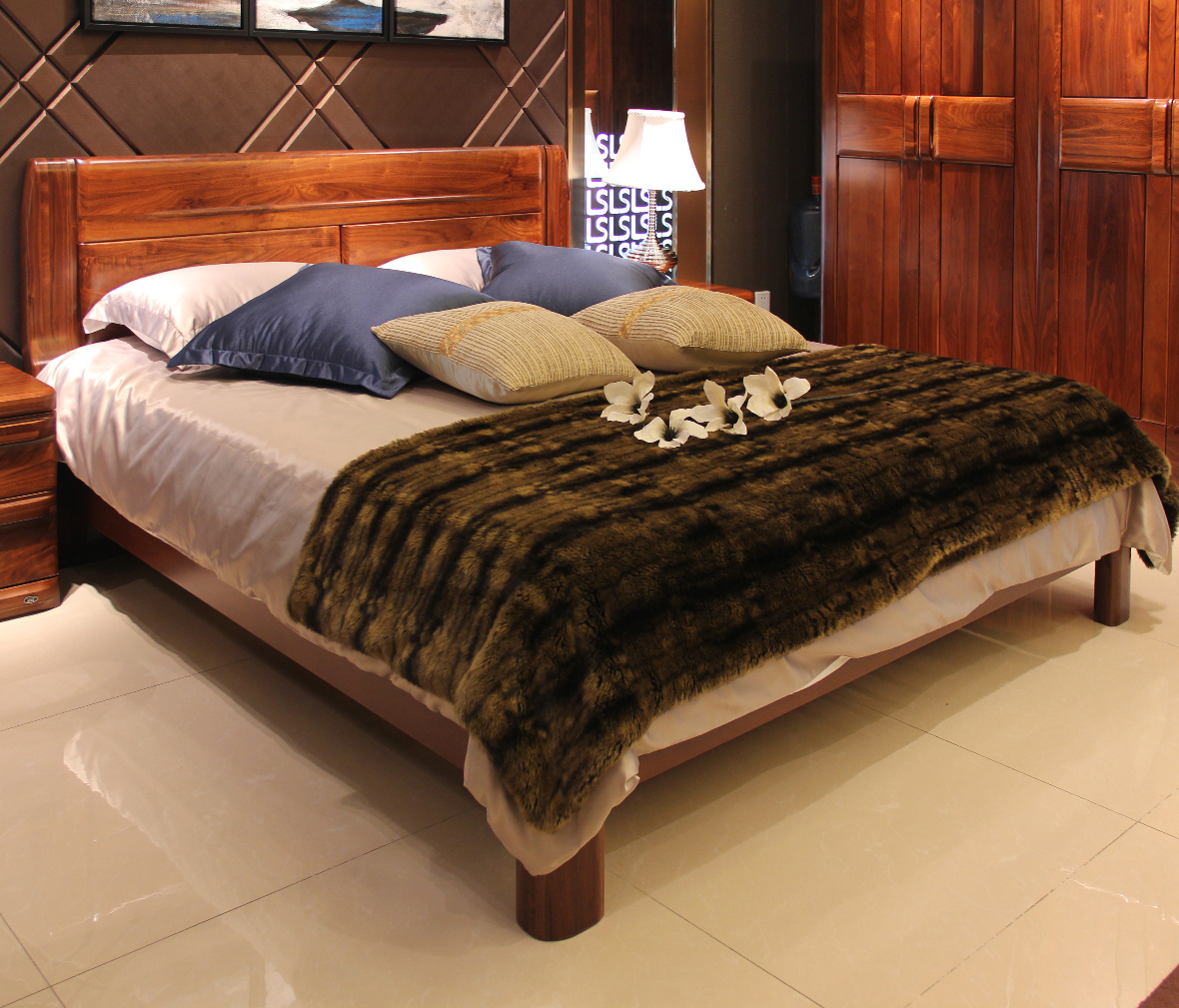 眼缘:0  迦南橄榄树 8805-qb型号 小床 实木板材 榫卯结构 欧式风格图片