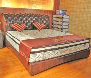 伊曼豪斯,皮床,松木框架