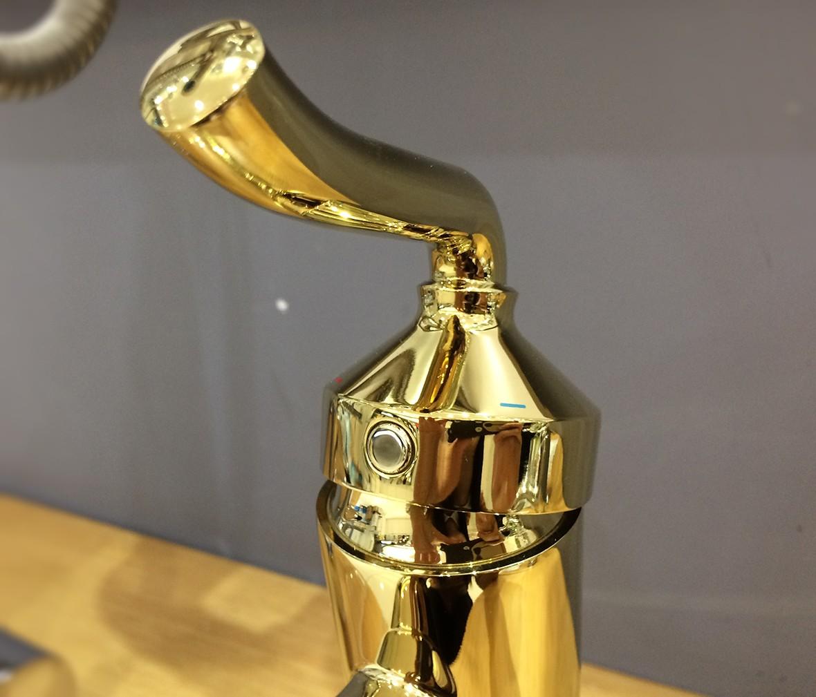 摩恩卫浴 16121P型号单把单孔面盆龙头