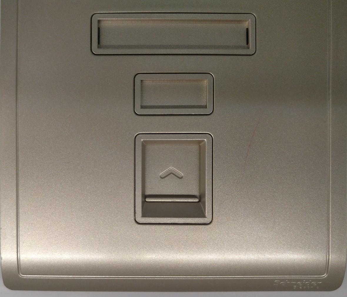 施耐德 丰尚系列 电脑插座 PC材质 耐高温 防漏电 安全插座