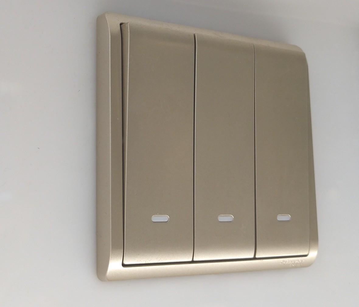施耐德 丰尚系列 三开开关 PC材质 耐高温 防漏电 安全开关