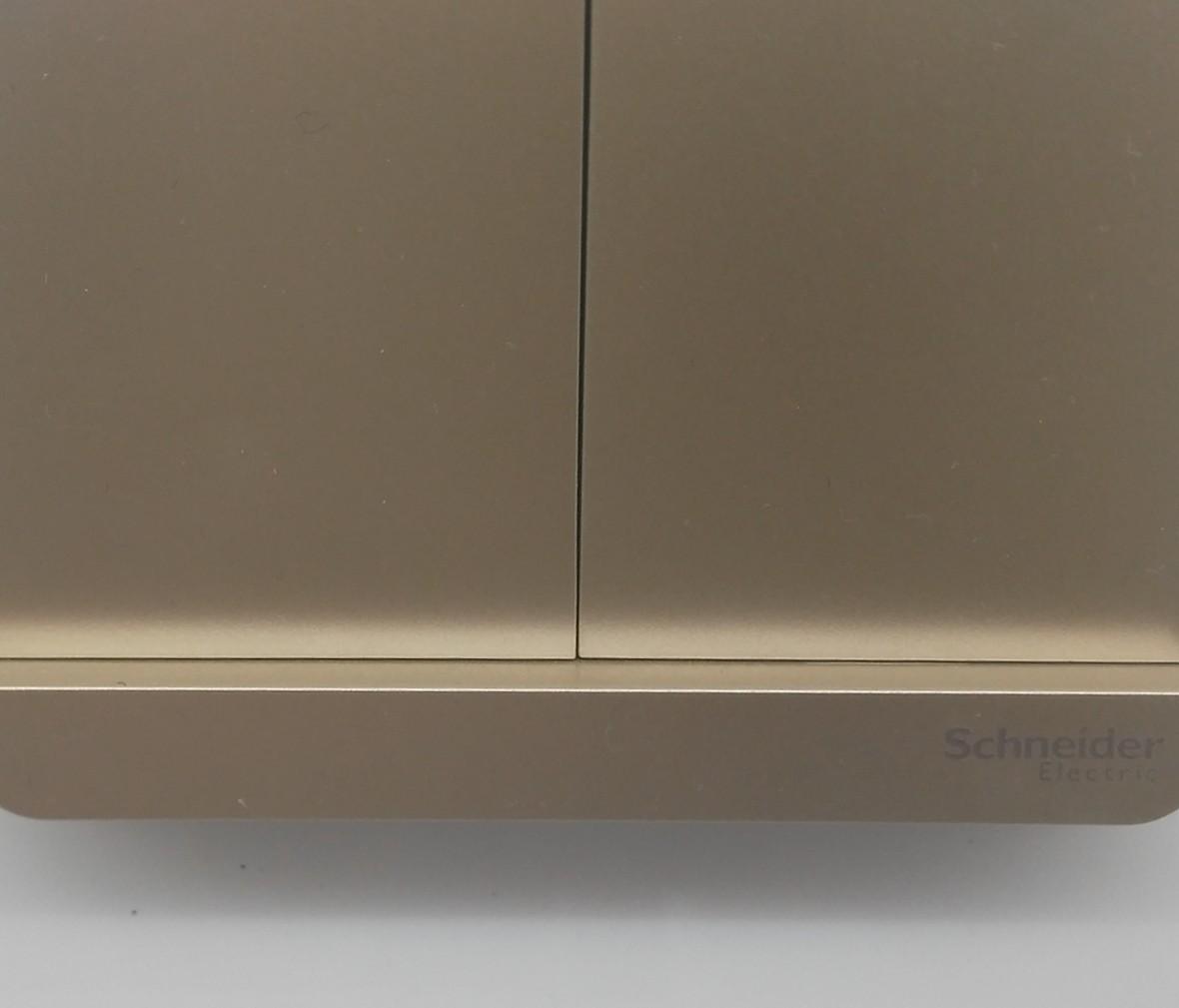 施耐德 蓝韵系列 双开开关 PC材质 耐高温 防漏电 安全插座 细节