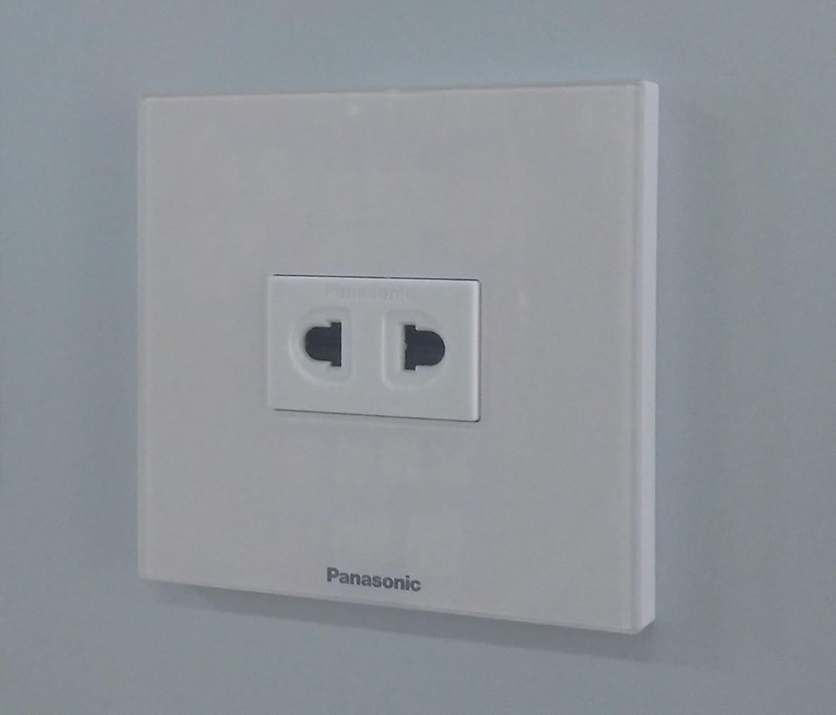 松下灯饰 新姿彩系列 双孔珍珠白插座 耐高温 防漏电 PC材质 实拍
