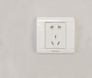 松下灯饰,插座,PC材质