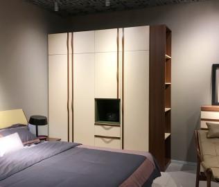 曲美家具,平开衣柜,定制衣柜