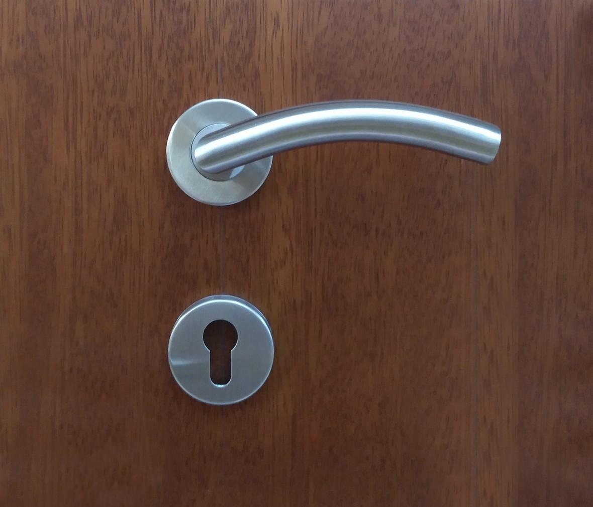 晾霸五金 米开朗G30111S型号门锁 铝合金材质 门锁 拉丝工艺 情景 细节