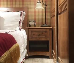 多喜爱,床头柜,柜子