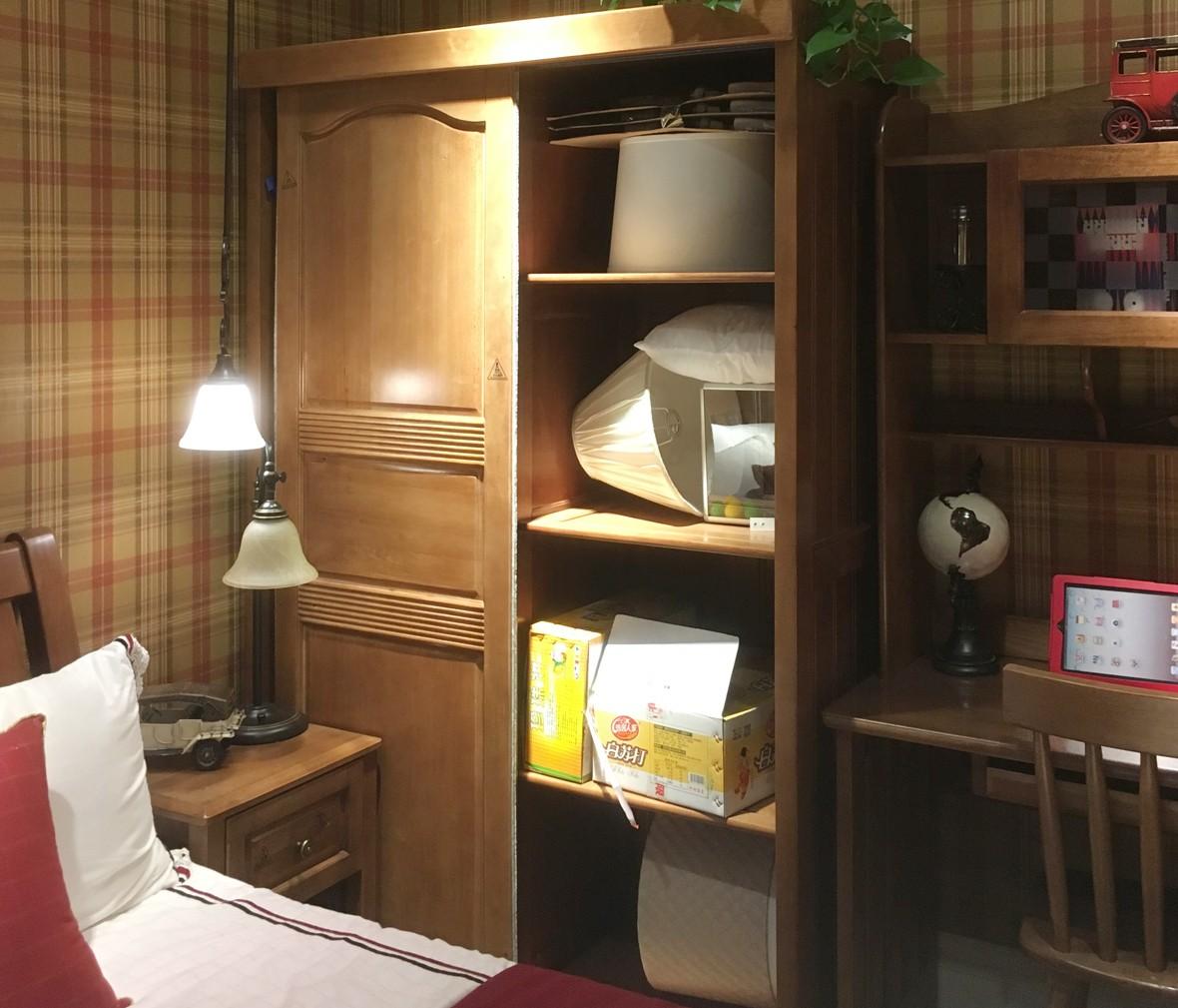 多喜爱儿童家具 DVTM501型号欧洲进口实木趟门衣柜
