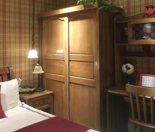 多喜爱,趟门衣柜,实木衣柜