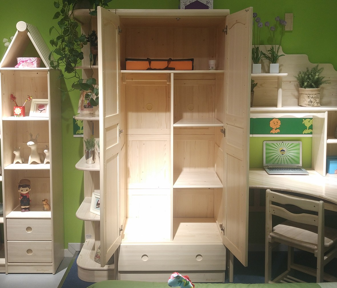 松堡王国 SP-A-G002型号两门衣柜加中隔板 进口芬兰木材质衣柜