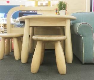松果,小圆桌,实木桌子