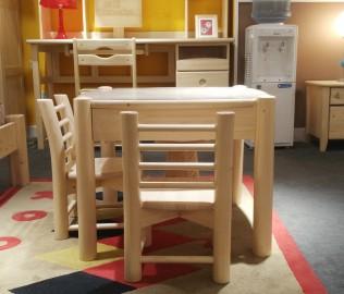 松果,小方桌,桌子