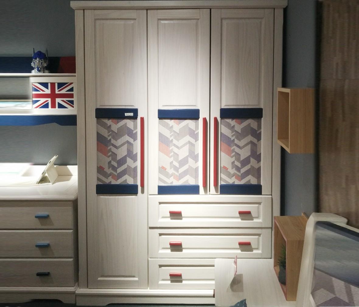 松果儿童家具 DND04-B型号三门衣柜 芬兰进口实木三门衣柜