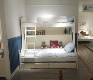 至白小屋,上下床,床