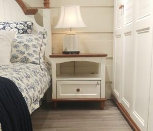 至白小屋,床头柜,柜子