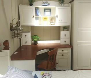 至白小屋,书桌,桌子