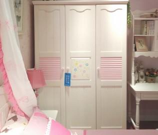 普罗城堡,三门衣柜,柜子