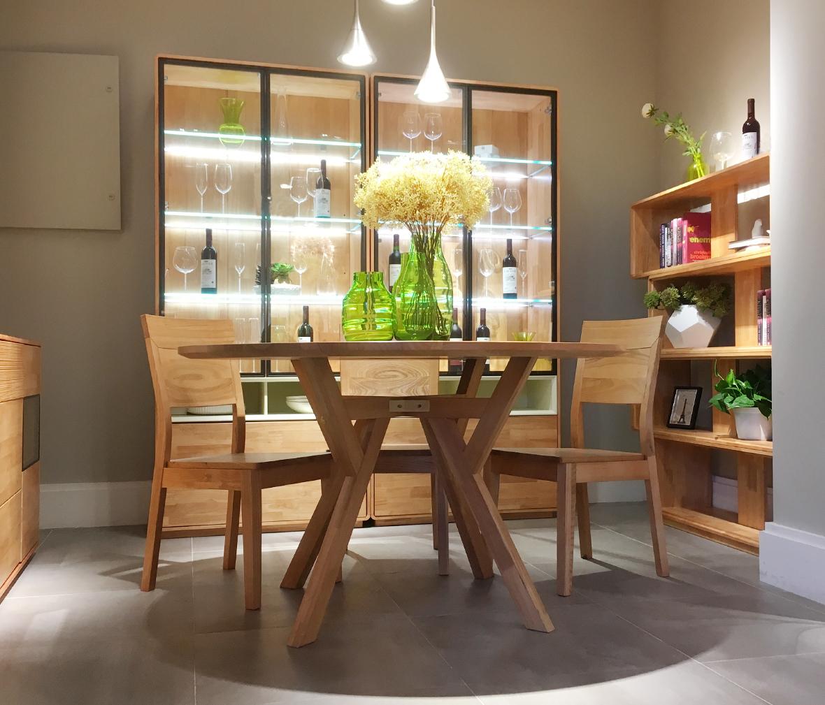 6霸王枨餐桌 ye001型号 榆木材质 中式古典风格   眼缘:2  森林之源