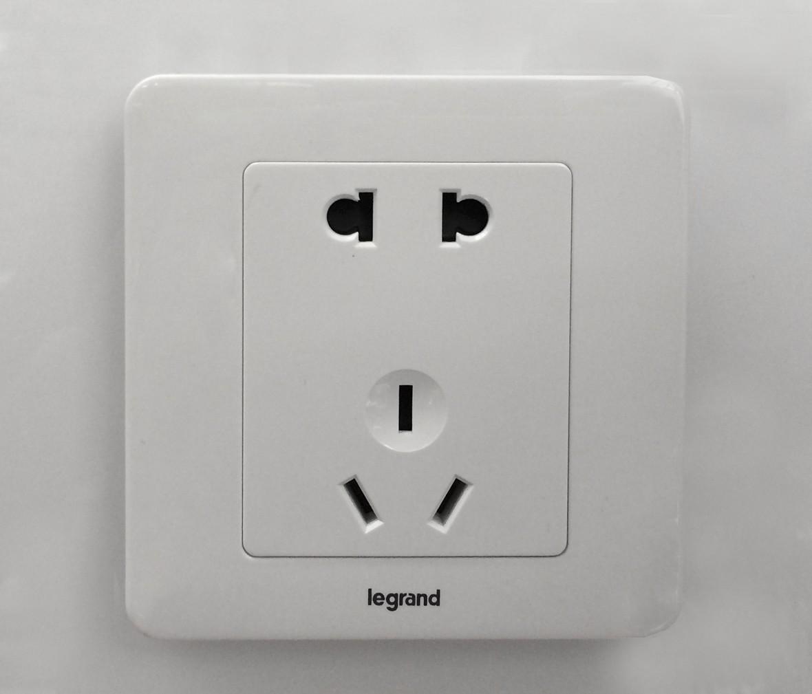 朗士灯饰 罗格朗逸典系列玉兰白五孔 电源插座 插口