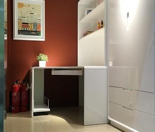 东方百盛,电脑桌,板式家具