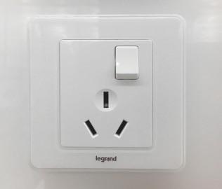 高高朗,罗格朗,开关电源