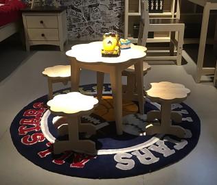 曲美家居,小花型桌,桌子