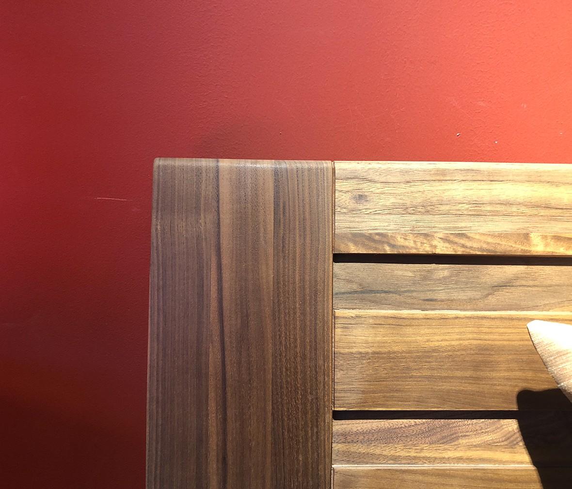 百强 新德堡系列 Z126a型号双人床 黑胡桃材质现代简约卧室家具,图片、价格、品牌、评测样样齐全!【蓝景商城正品行货,蓝景丽家大钟寺家居广场提货,北京地区配送,领券更优惠,线上线下同品同价,立即购买享受更多优惠哦!】