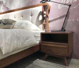 优木良匠,床头柜,白蜡木