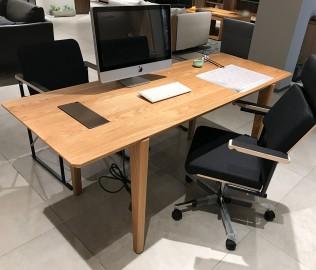 猫王,主桌,桌子