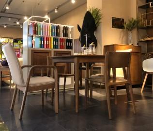 钛马迪,餐桌,餐厅家具