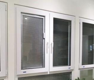 维卡门窗,塑钢窗,定制门窗