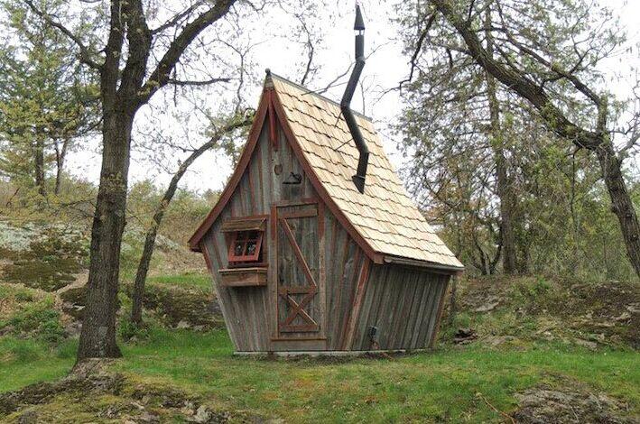 瑞士木匠打造的梦幻迷你木屋