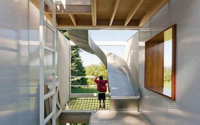 英国最豪华树屋配置滑梯和滑索 价值超百万英镑(图)