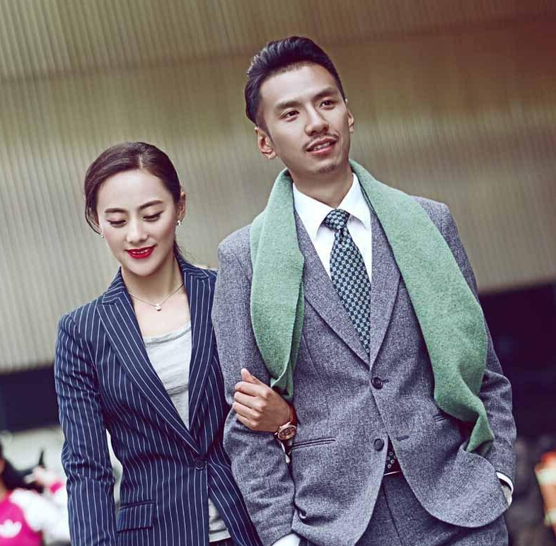 80后藏族新人结婚照走红